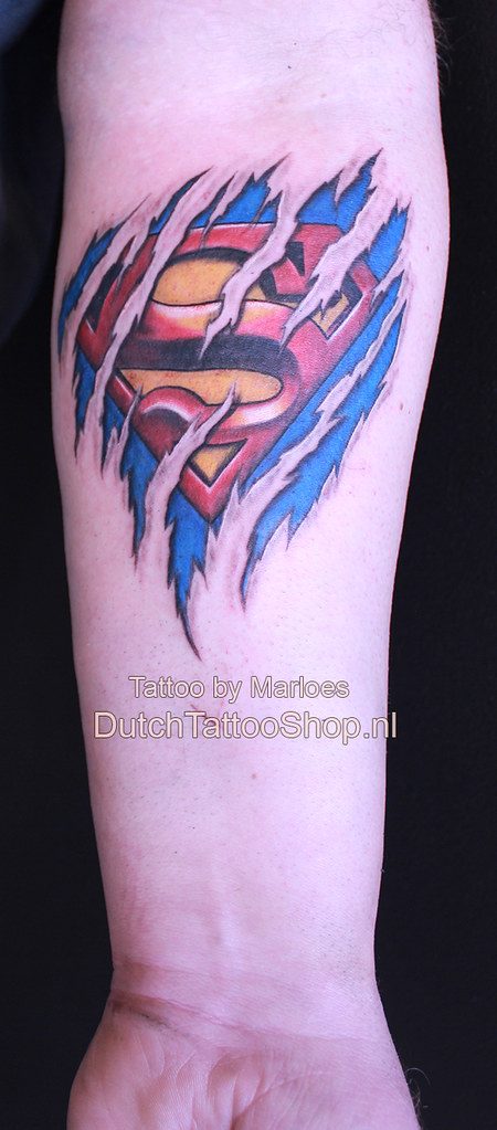 Torn Skin Gescheurde Huid Superman Logo 3d Tattoo Dutch