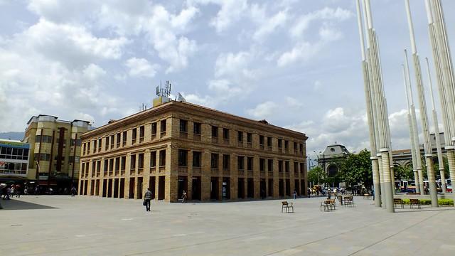 Medellin 2013 - Guayaquil - Edificio Carre - Antigua Plaza de Mercado El Pedrero