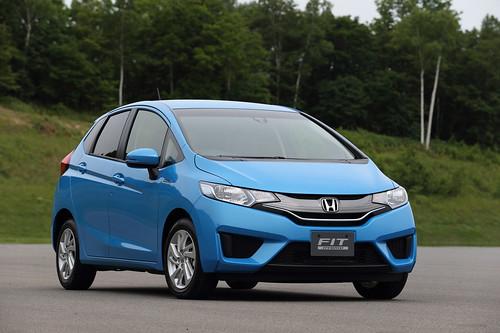 2015 Honda Fit Hybrid Japanese Model (1) - SMADEMEDIA.COM MediaGalleria Photo