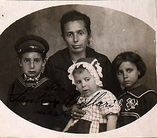 Passport of Santo Villari: Angela, Santo, Antonino, and Olga Villari