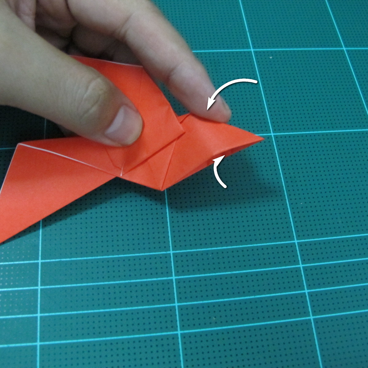 การพับกระดาษเป็นนกพิราบ (Origami pigeon) 00030