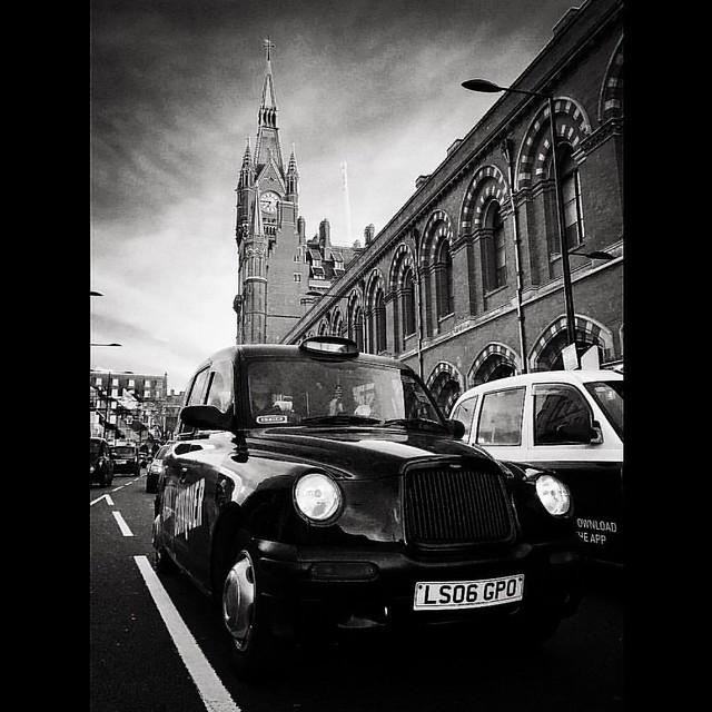 St Pancras Station, London   #stpancras #londoncity #london #londonlife #taxi #blackcab #bnw #bnw_life #blacknwhite_perfection #blackandwhitephoto #bnw_globe #cool #photooftheday #photogenic #bnw_rose #streetphotography #ig_today #ig_world #ig_photoofthed