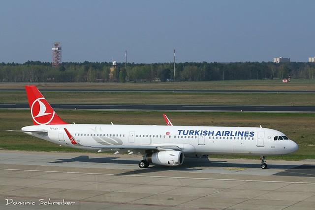 Turkish Airlines, TC-JSV at Berlin Tegel Airport, TXL