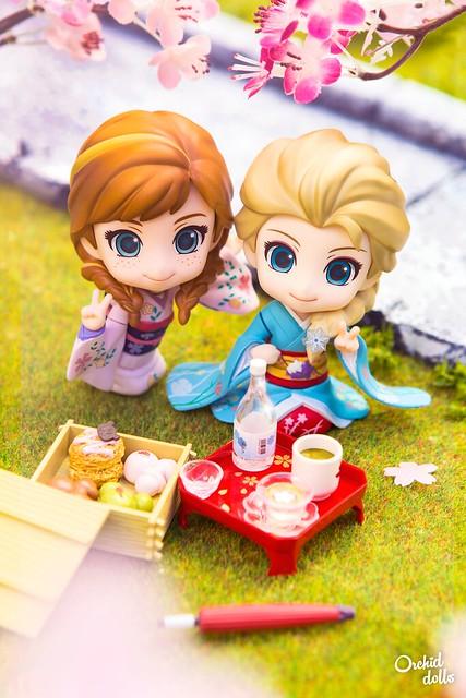 Elsa & Anna at the Hanami Festival ~