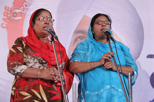 Sindhi devotional song by Laxmi and Saathi from Amravati