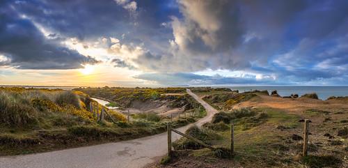 panorama landscape hengistburyhead isleofwight solent sea path