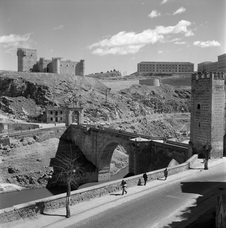 Castillo de San Servando de Toledo en los años 50. Fotografía de Nicolás Muller  © Archivo Regional de la Comunidad de Madrid, fondo fotográfico