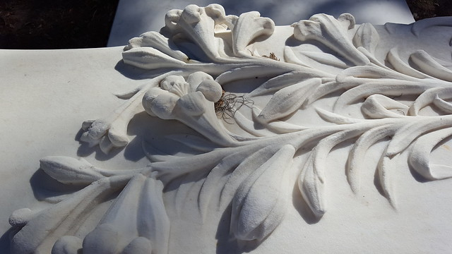 marble lilies