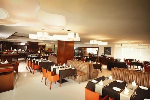 india restaurant hotel maharashtra spg starwood starwoodresorts starwoodhotels 400701 meetingresort fourpointsbysheratonnavimumbaivashi asiankitchencornerview fourpointshotelsandresorts