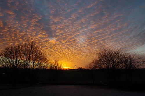 uk morning winter england sky cloud sun clouds sunrise sunrises oxfordshire