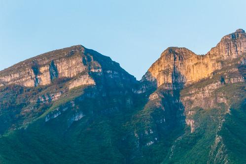 mountain hill montaña montagna cerro cerrodelasmitras canon canonphotographer nature sunrise colorful sky forest