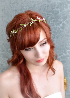 Wedding headband, simple leaf and berry tiara, bridal crown, wedding hair accessories | by Bellafaye Garden