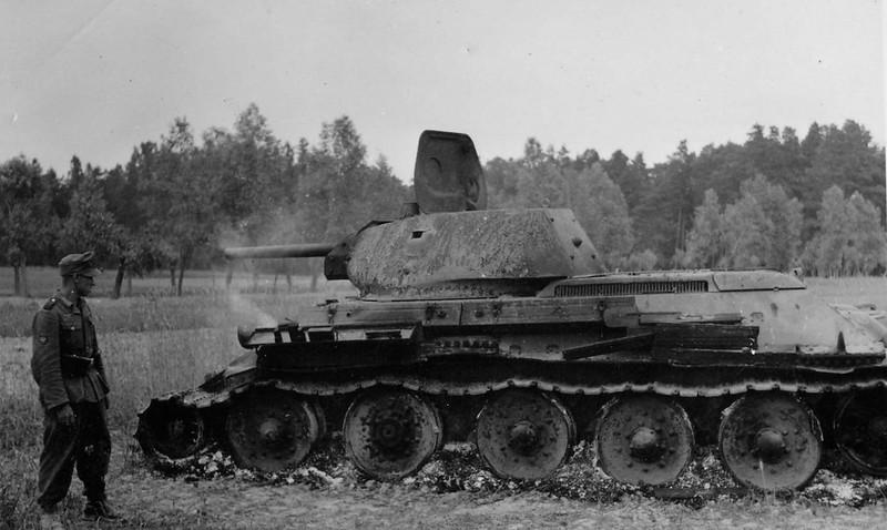 Tank T-34 (95)