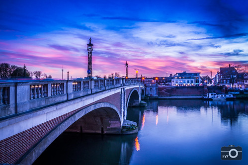 longexposure bridge pink sunset sky colour river riverthames hamptoncourt