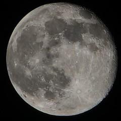 Había luna llena hoy oigaaa! #fullmoon #april #aries #alpha7mii #lunallena #lunatico #mooning #fases #igersluna #igersmoon #enmadrid #madrid