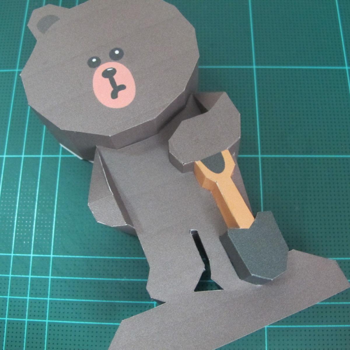 วิธีทำโมเดลกระดาษ ตุ้กตาไลน์ หมีบราวน์ ถือพลั่ว (Line Brown Bear With Shovel Papercraft Model -「シャベル」と「ブラウン」) 022