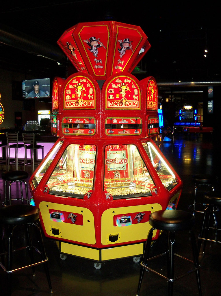 OH Dayton - Monopoly | Monopoly arcade coin pusher game at S