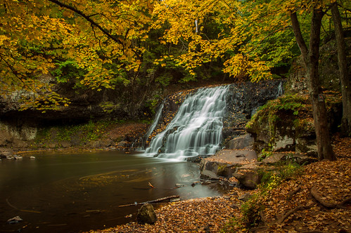 autumn fall waterfall connecticut ct foliage middletown rockfall wadsworthfalls wadsworthfallsstatepark