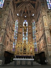 Crucification by Maestro de Figline, Capela-mor,  Basilica di Santa Croce, Florence, Italy.