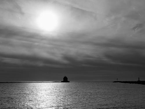 landsscape lakesidelanding bw ohio sunset spitzermarina lorain unitedstates us