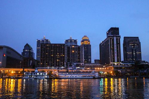 spiritofjefferson louisvillekentucky downtown skyline night ohioriver belleoflouisville yumcenter cruise boat