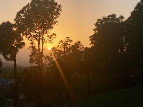 india travel rakkh rakh himachalpradesh sunset valley hiking dhauladhar dhauladharrange
