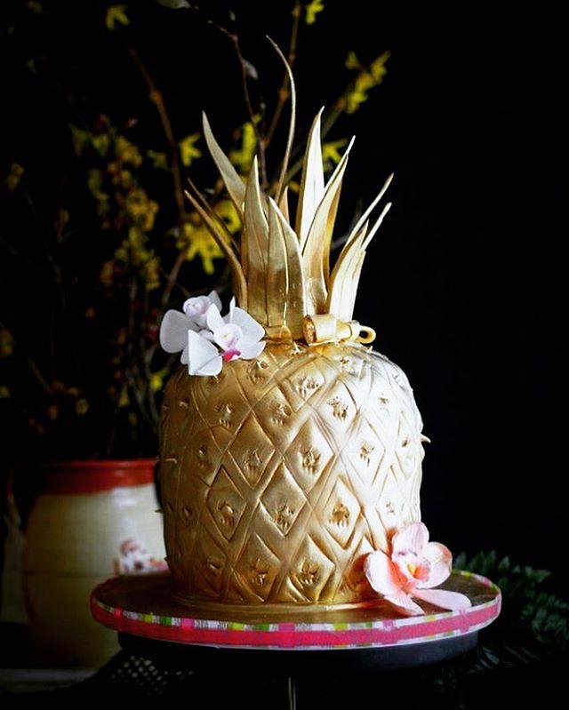 Enjoyable A Golden Pineapple Cake For A Golden Birthday Golden B Flickr Personalised Birthday Cards Akebfashionlily Jamesorg