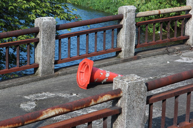 Abandoned on the bridge