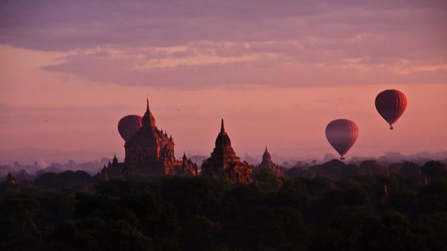 Sunrise over Bagan 5