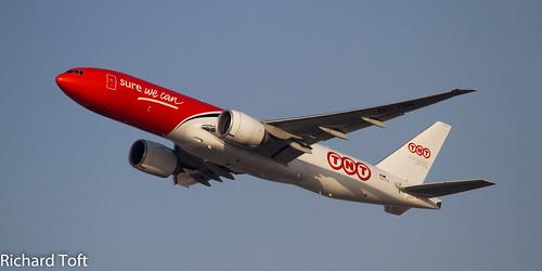 TNT 777F OO-TSA  DUBAI 09.03.2014 | by toftos