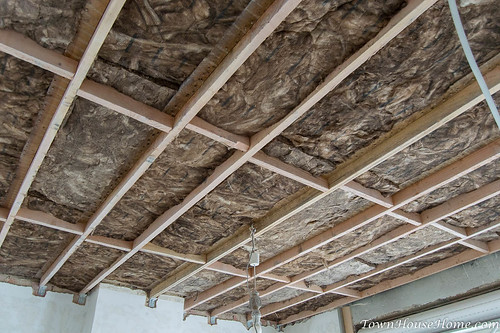 Rockwool between beams | by KoenNRG