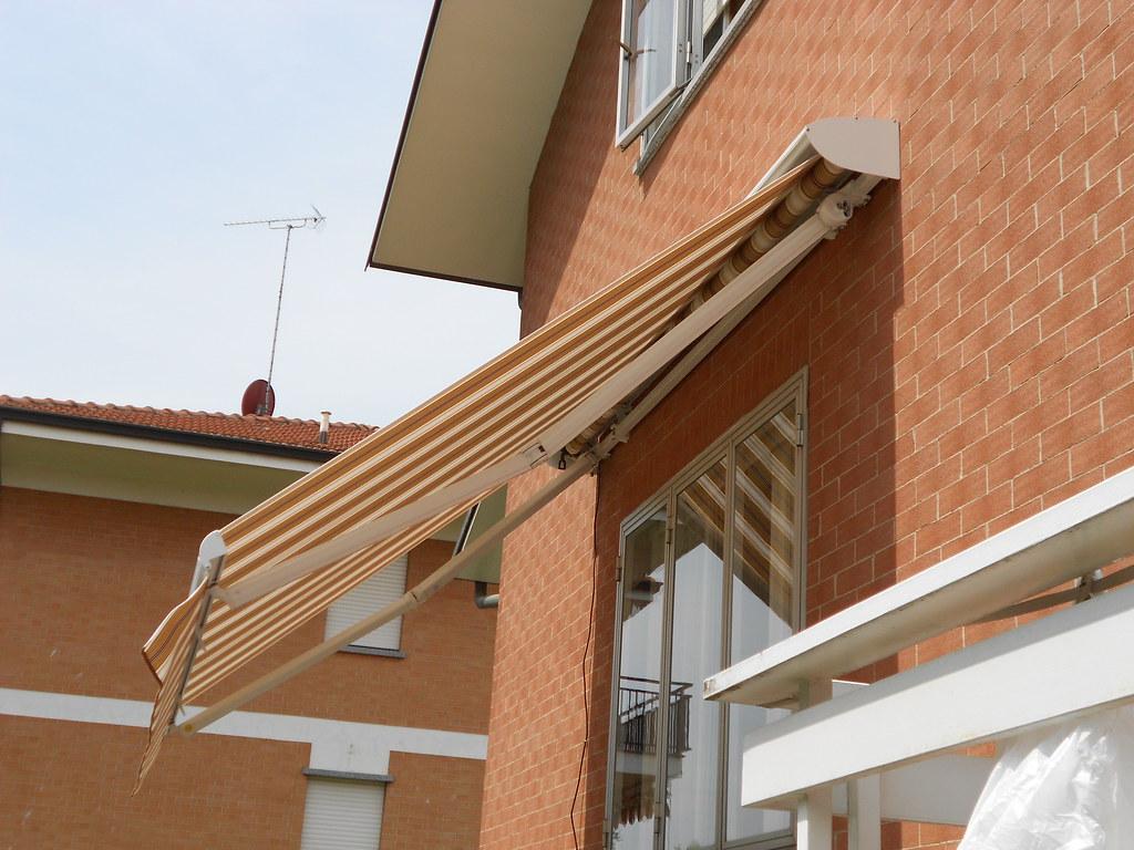 Tettuccio in alluminio per tende da sole Torino www.mftendedasoletorino (1)