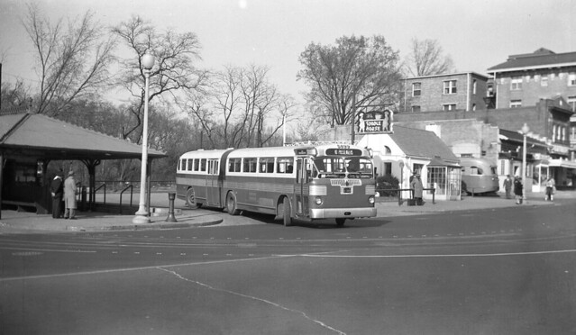 Calvert St. turnaround + Toddle House, 1948