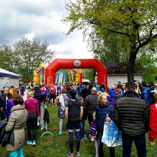Behind the finish line! Excellent race, thanks to all! #tuwasguteslauf #running #race #pleschingersee #linz #roundtable | by Ninjasurgeon