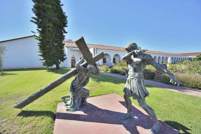 nikon nikkor 15mm 3.5 ais D800 mission San Luis Rey Roman Soldier and Jesus
