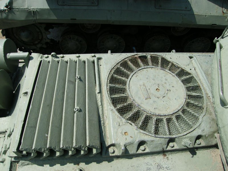 IS-4 (2)