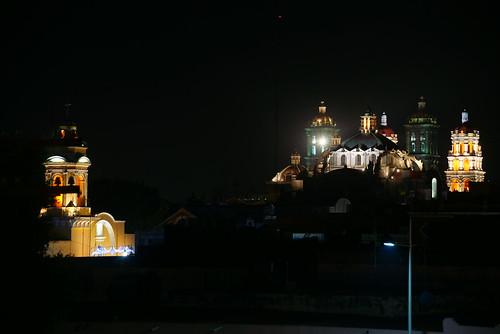 iglesia de cholula con reflejo 2