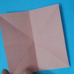 วิธีการพับกระดาษเป็นดอกไม้แปดกลีบ 003