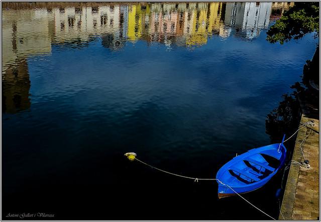 La barca i els reflexos. -  The boat and reflections. Bosa-Sardinia (Italy).
