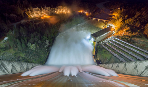 Shasta Dam spillway night shot - lake only 6' from top | by imtnbike
