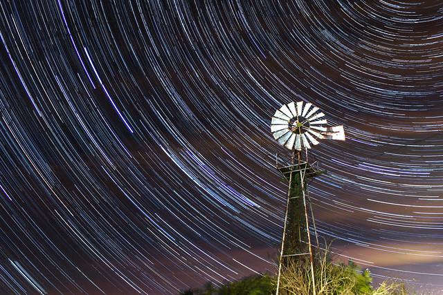 75 Minute Windmill Star Trails 20/03/17