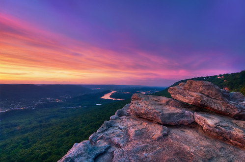 pink blue sunset sky mountain stone clouds river landscape golden twilight nikon rocks ambientlight tennessee scenic wideangle lookout hills tokina cielo valley nubes josephs jamal eveninglight expanse 1116 111628 d300s proleshi twofeettotheleftandiwouldplummet90fttomydeath