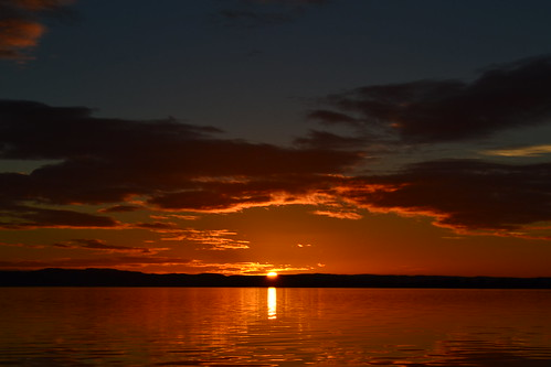 sunset red night rivertay fife dundee tay tayside kingoodie invergowrie dundeesunset tayriver pwpartlycloudy kingoodieharbour