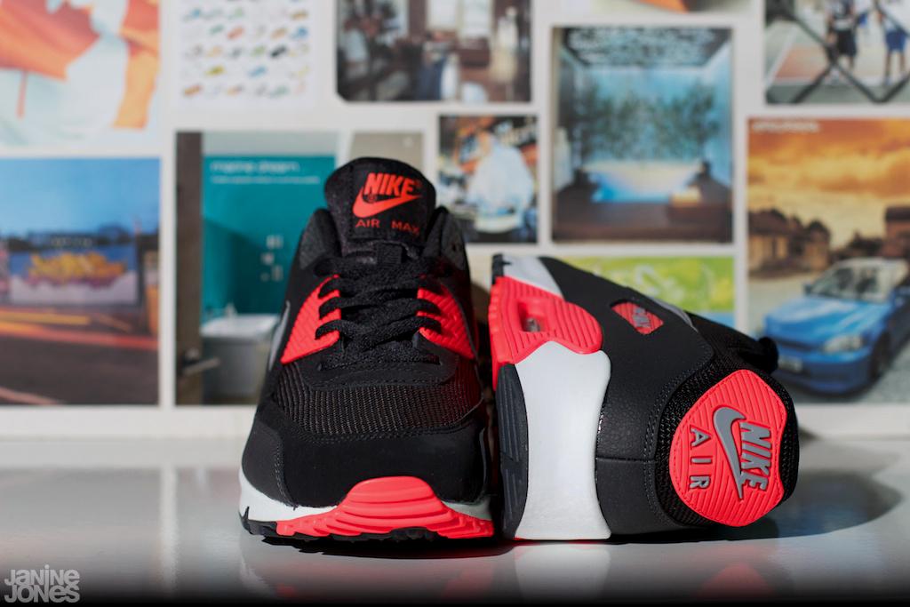 Nike Air Max 90 Essential 'BlackInfrared' | WAVE®