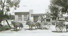 Mail coach at Willunga Post Office, 1915.