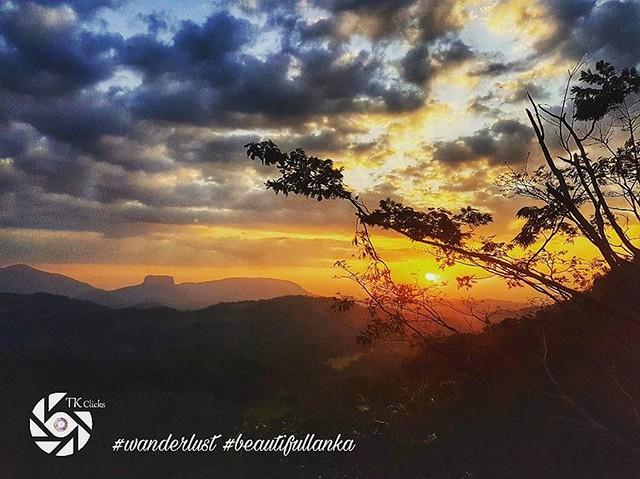 Sunset from Kadugannawa. #tkclicks #wanderlust #beautifullanka #sunset #kandy #lka #nature