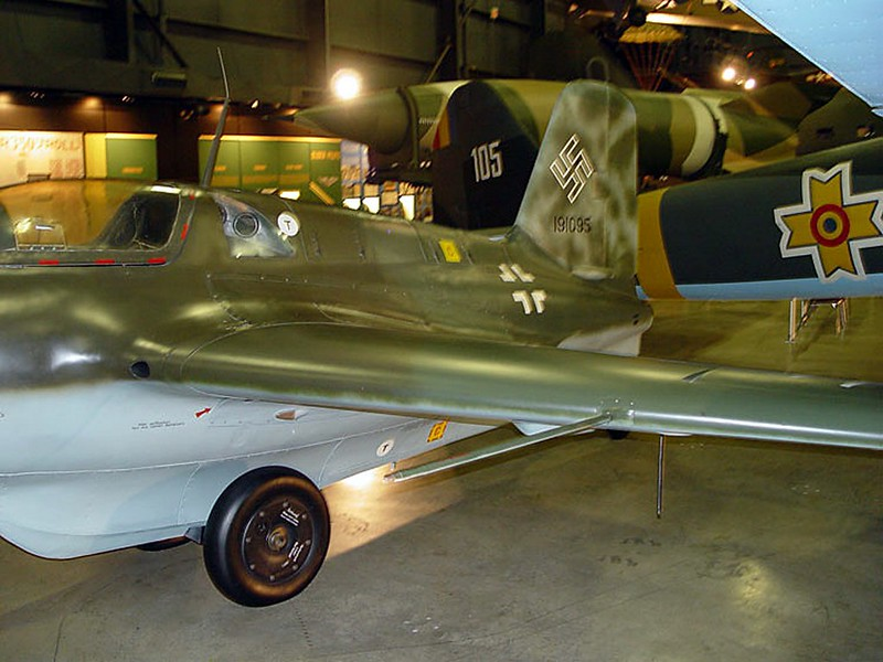 Messerschmitt Me 163B Cometa 5