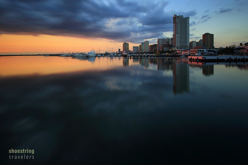 manilabay sunset philippines water waterscape landscape sea seascape shore seaside clouds coast urbanlandscape sun sky dusk skyline