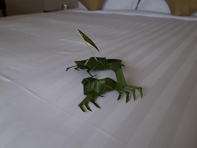 <p>可愛い笹の葉で作った蟹とエビ?</p>