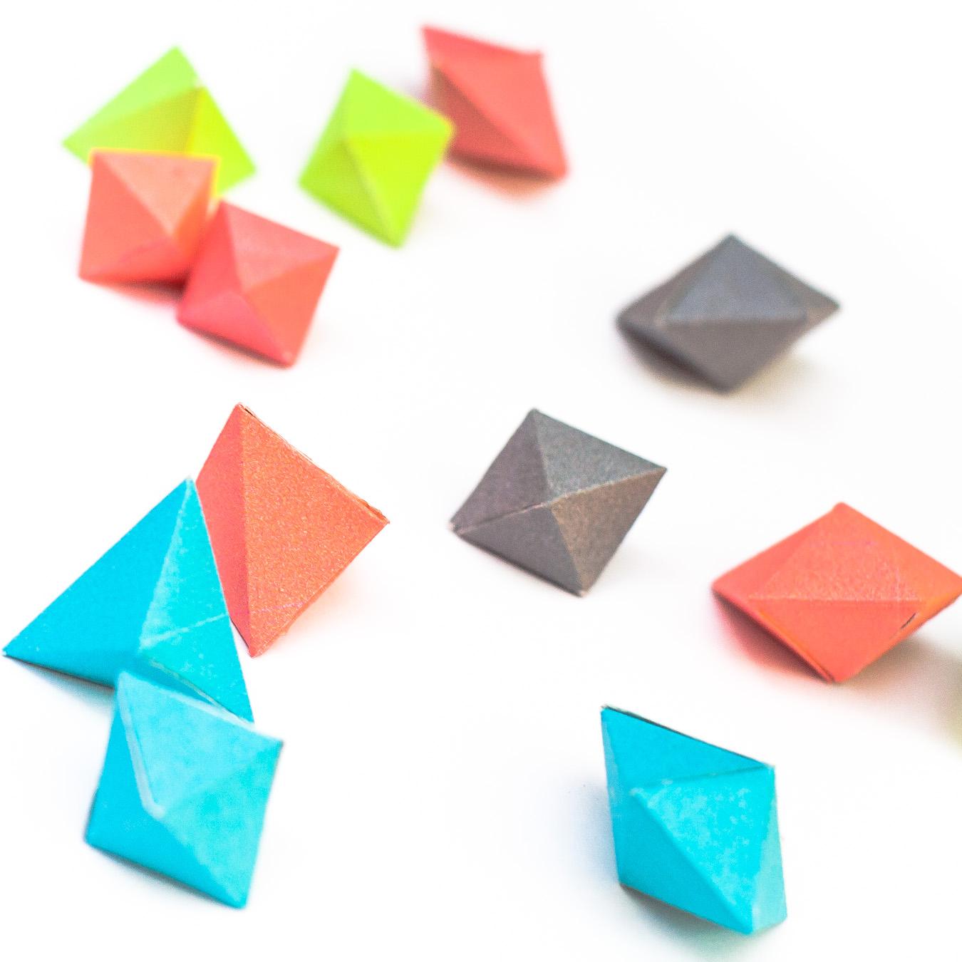 วิธีทำของเล่นโมเดลกระดาษทรงเรขาคณิต 003